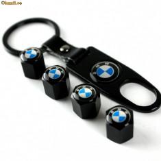 Breloc model auto pentru BMW negru si 4 capacele ventil inox - Breloc Auto