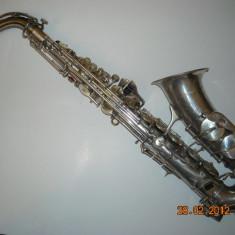 Saxofon Alto Mi bemol Luxor Solo argintat