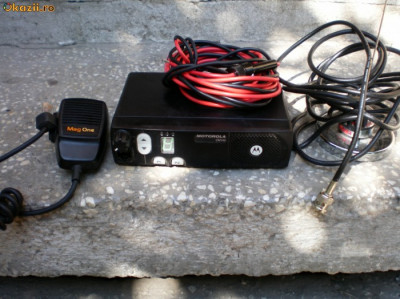 Statie radio taxi Motorola CM140 + antena foto