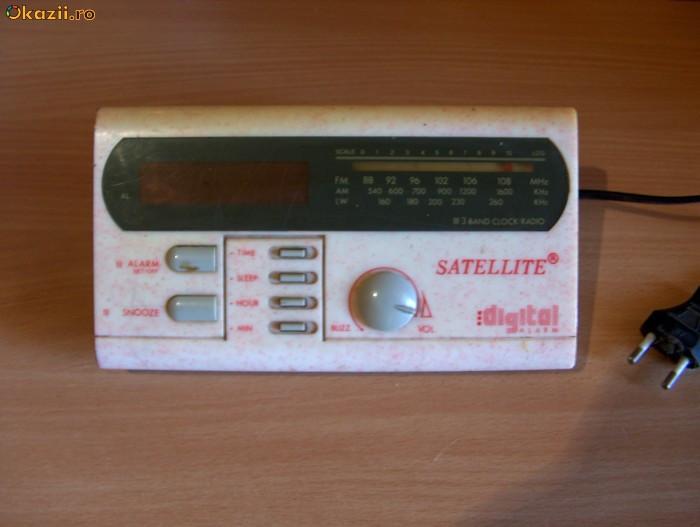 VAND RADIO CU CEAS SI ALARMA DIGITAL ,,SATELLITE,, foto mare