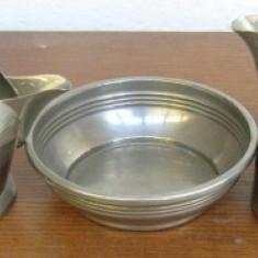 3 vase din metal