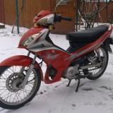 Motocicleta - Urgent scuter minarelli 49.5 cm3 in 4 viteze sau schimb cu cbr sau ninja plus diferenta