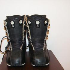 BUTI BOOTS DEELUXE SPIDER, MARIME 39, US 7.5, 25.5 CM - Boots snowboard
