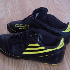 Adidasi fotbal adidas f50 traxion originali, piele naturala, marime 38, pret 60 - Ghete fotbal Adidas, Culoare: Negru