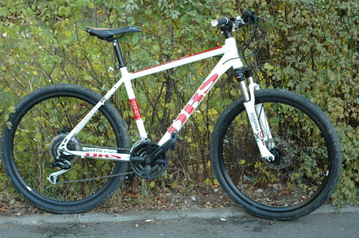 Bicicleta MTB DBS Intruder 0347 mountain bike  giant cannondale cursiera trekking trek foto mare