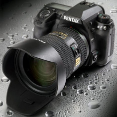 DSLR PENTAX K7 + Obiectiv 18-55mm