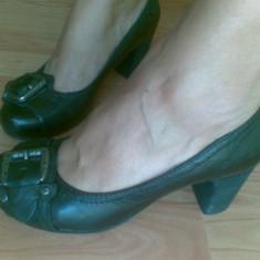 Pantofi dama, Marime: 38, Negru - Pantofi din piele marimea 38, aproape noi!