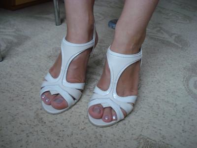 Sandale dama NOI marimea 35 MATHEO fete piele lacuita crem / interior piele naturala +++ Livrare gratuita !!! foto