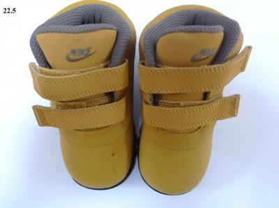 Ghete iarna Nike copii MANDARA; cizme copii foto