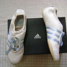 Opincute, tenisi marca Adidas nr 40, piele si inlocuitori - Tenisi dama, Culoare: Nespecificat