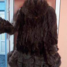 Haina blana (urs spalator) model deosebit, lungime medie, marime 50-52, potrivita pentru o persoana mai inalta, putin purtata. 1500RON - Palton dama, Din imagine