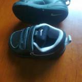 Adidasi copii Nike, Baieti, Marime: 19, Negru - Adidasi NIKE copii (6-12 luni) marimea 19