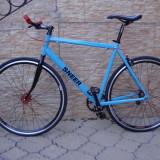 Bicicleta single speed SNEER custom. Pentru fixed gear si freewheel.