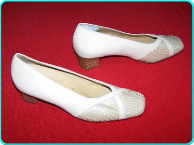 - NOI, FOARTE COMOZI - Pantofi dama, piele moale, marca HASSIA _ femei | nr. 37,5 | interior 25 cm | toc 4 cm _ - rezervat foto
