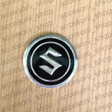 Embleme auto - Emblema capac roata SUZUKI 60 mm