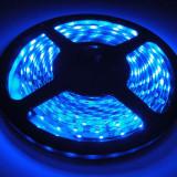 Banda LED izolata albastra 5m 12v autoadeziva auto decorari interioare ip65 3528