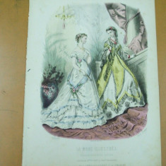 Revista moda - Moda costum rochie palarie evantai bijuterii gravura color La mode illustree Paris 1868