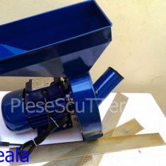 Moara electrica pentru uruiala / porumb / cereale MICUL FERMIER ( 2.5Kw / 3000 rotatii/min )