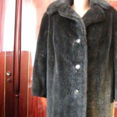 Palton dama - Vand haina imitatie nurca, absolut noua, lunga facuta pe comanda, cu serge pe interior, impecabila fara niciun defect.