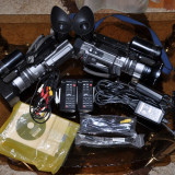 Camera Video Sony, Mini DV, 3-3.90 Mpx, CCD, 3 - 4 - Camera Video VX 2100 E + Lampa Ready Light