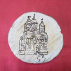 Pirogravura frumoasa pe lemn, manastire, aspect rustic, decor excelent - Icoana pe lemn