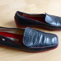 Pantofi barbati - Pantofi Tommy Hilfiger din piele naturala; marime estimata 41 (27 cm talpic)
