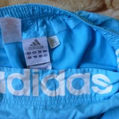 Pantaloni scurti Adidas; marime S: 69-87 cm talie, 57 cm lungime; ca noi - Pantaloni dama Adidas, Marime: S, Culoare: Din imagine