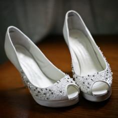 Pantofi dama, Marime: 38, Alb - Pantofi de mireasa Menbur