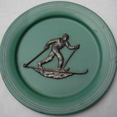 Schior pe farfurie veche patinata - Metal/Fonta, Ornamentale