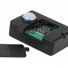 Detector microfoane - CE MAI NOU GSM SPY A9 CU APELARE VOCALA SI PIR ANTIFURT / CARTELA GSM, ASCULTI TOT DIN ORICE PARTE A LUMII.