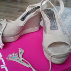 Sandale Fornarina, bej, cu platforma, din piele intoarsa, noi - Sandale dama Fornarina, Marime: 39