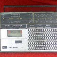 RADIOCASETOFON ITT RC 2550 .