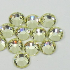 Strasuri din sticla 100 bucati, Auriu White 3mm pentru decoratiuni unghii - Unghii modele