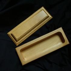 Caseta (cutie) din lemn, din doua bucati, lucrata manual (bijuterii, decor)