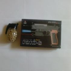 Arma Airsoft - Pistol airsoft cu bile de 6mm plus o grenada plina cu bile