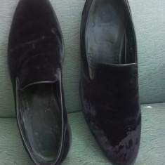 PANTOFI BARBATESTI PIELE INTOARSA ARMANI COLLEZIONE, ORIGINALI, MASURA 44(30 CM) - Pantofi barbati Giorgio Armani, Culoare: Nero, Din imagine