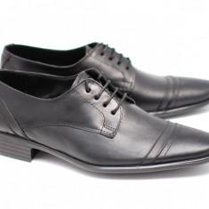 Pantofi barbati - Pantofi negri eleganti barbatesti din piele naturala cu siret mas. 39 - Lichidare de stoc!