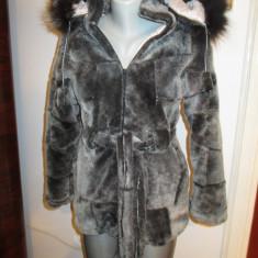 Palton dama gri din blana naturala cu gluga -marimea XS
