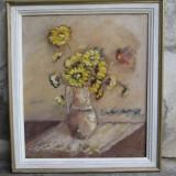 Vaza cu flori galbene, ulei pe panza - Pictor roman