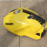 Rezervor plastic DUCATI Monster S2R 800 pret 130 Euro - Dezmembrari moto