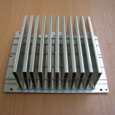 Radiator amplificator 15x12x5 cm - Amplificator audio