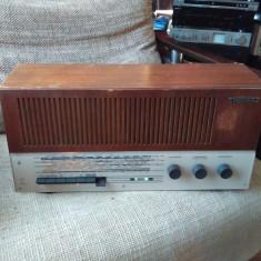 Aparat radio, Analog - Radio cu lampi Grundig 2447, stare excelenta.