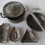 Jucarii vechi din tabla, tacamuri ustensile vase gatit pentru papusi, Germania