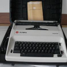 Masina de scris - Masina electrica de scris Olimpia Reporter