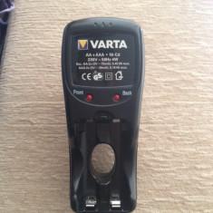 Baterie Aparat foto - Incarcator baterii Varta