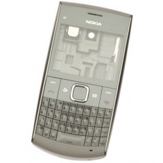 Carcasa rama fata cu geam tastatura taste mijloc corp spate capac baterie capac acumulator Nokia X2-01 Originala Original