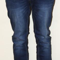 BLUGI DIESEL BARBATI AAA+ MODEL 2015 - Blugi barbati Diesel, Marime: 30, 32, 34, Culoare: Din imagine, Lungi, Cu rupturi, Normal