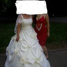Vand rochie mireasa mai multe detalii in privat - Rochie de mireasa printesa