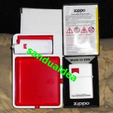 Bricheta Zippo - Set marlboro- 2 brichete 1 zippo si 1 bic plus scrumiera