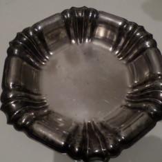 fructiera metal argintat 1